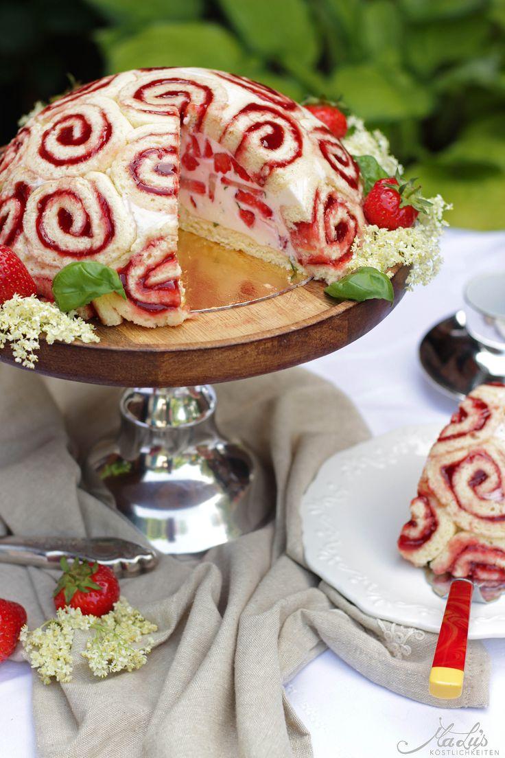 Erdbeere-Holunderblüte-Basilikum Charlotte| Strawberry-Elderberry-Basilic Charlotte