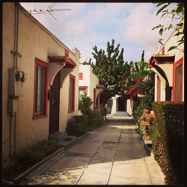 Apartments For Sale In Los Angeles Downtown: The Bungalow Court Where I'm Staying. #echopark