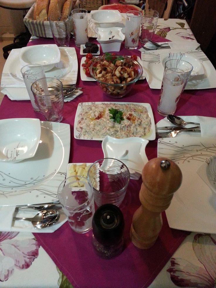 Akşam Yemeği Menüsü - Barbekü ve Satay sos ile Fırında Bonfile Tarifleri http://lokumpilavi.blogspot.com/2013/08/bir-aksam-yemegi-menusu-daha.html