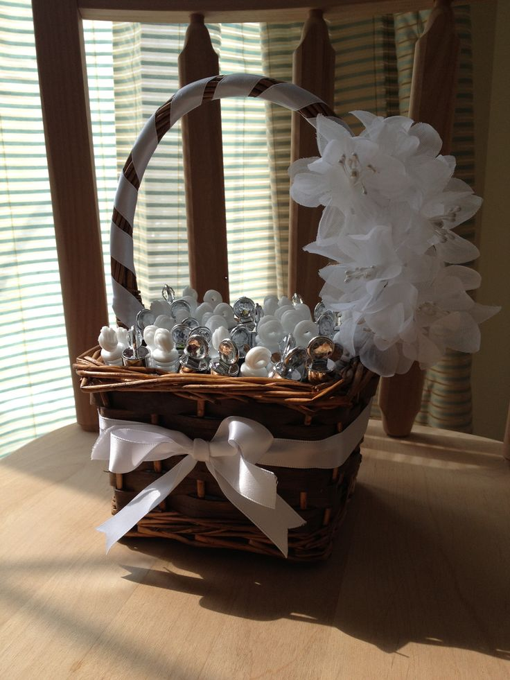 A Simple Basket All Gussied Up For Bubble Wands Perfect Our Outdoor Ceremony
