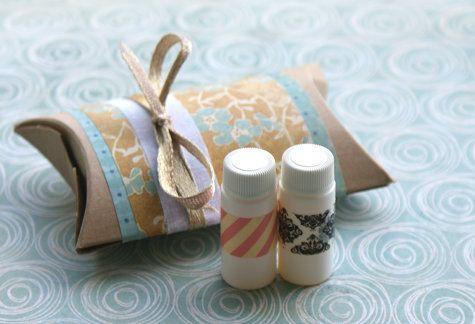 Homemade Perfume Oils / 50 Tiny And Adorable DIY Stocking Stuffers (via BuzzFeed)