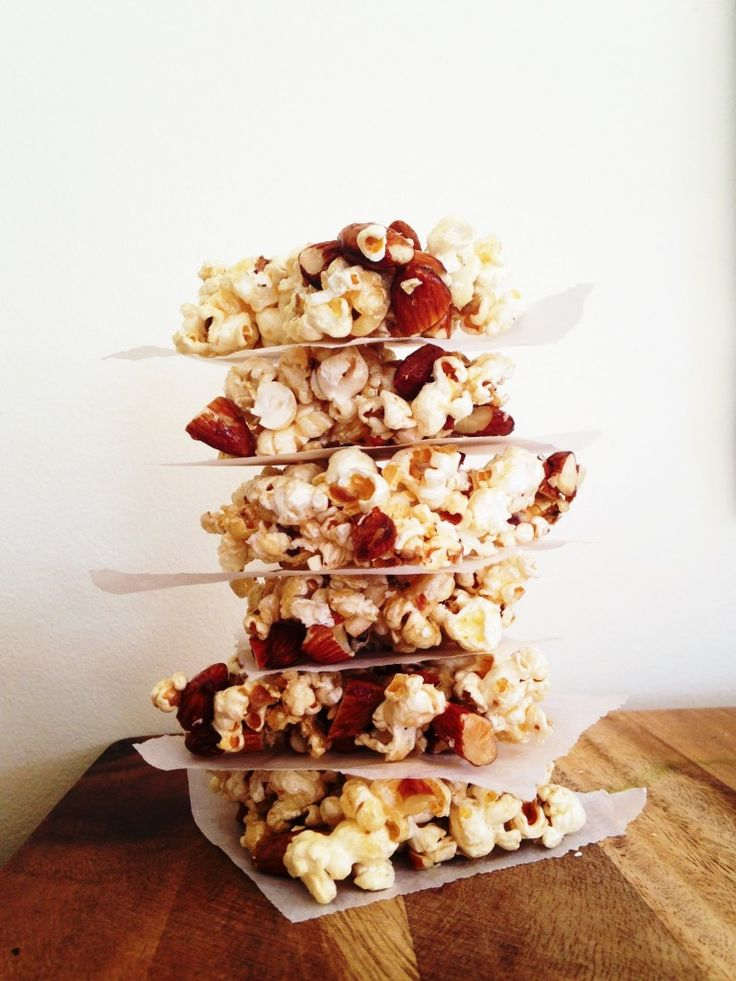 Popcorn and almond crunch is an easy and tasty treat for the whole family.