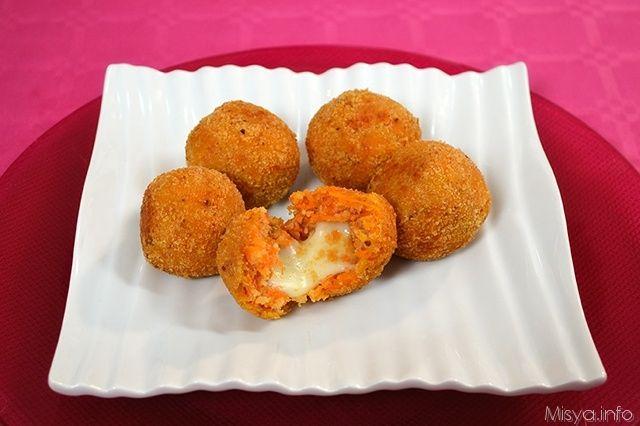 Polpette di zucca, scopri la ricetta: http://www.misya.info/2013/01/15/polpette-di-zucca.htm