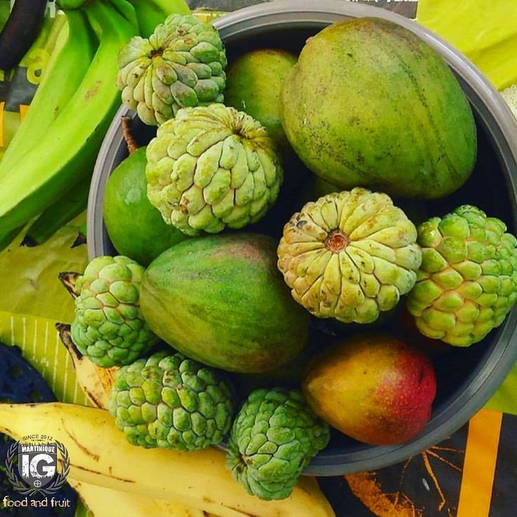 Pommes Cannelles Et mangues : #fruits de saison en #Martinique #welovemartinique  IG ⊕ MARTINIQUE ® (@ig_martinique) sur Instagram P H O T O | @amandefwi