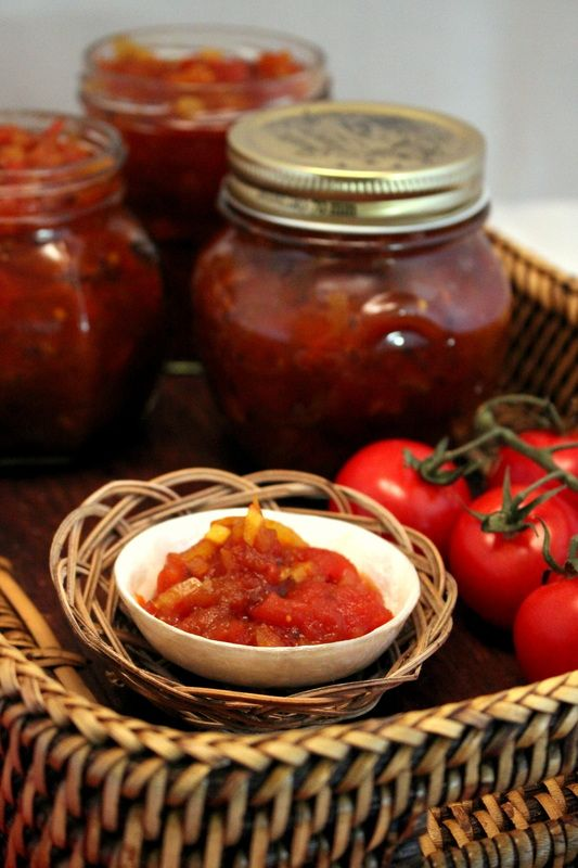 Tomato Chutney with Apples