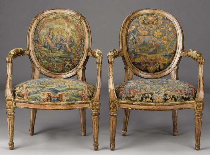 A PAIR OF ITALIAN NEOCLASSICAL PINK AND CREAM PAINTED FAUTEUILS. Late 18th  Century.
