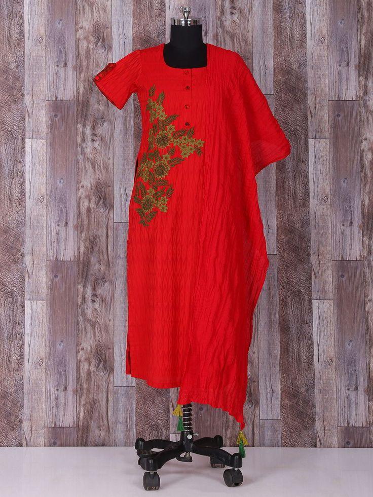Красное красивое эксклюзивное платье-туника, с короткими рукавами, украшенное вышивкой скрученной шёлковой нитью и бусинками