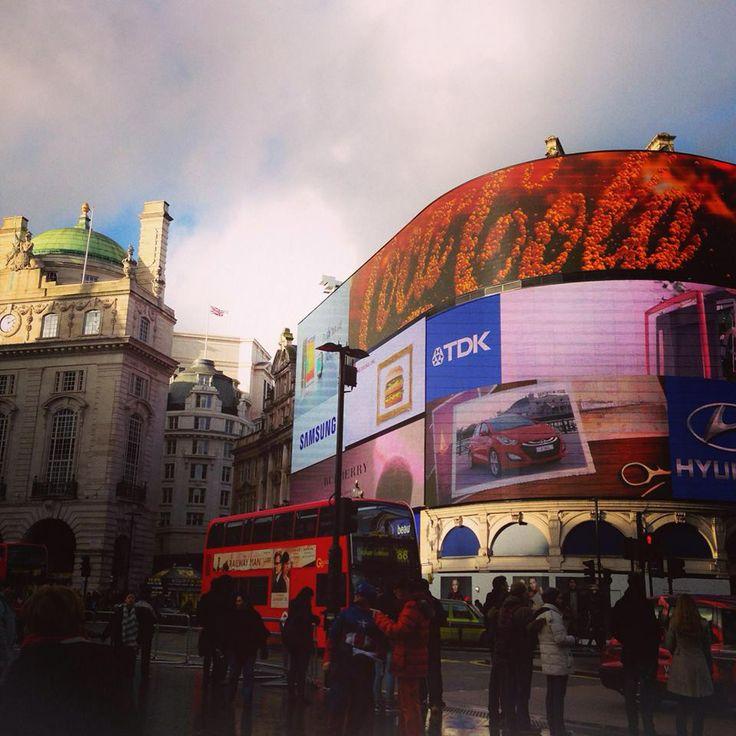 Piccadilly, London England Photo by: Danielle Yaghdjian