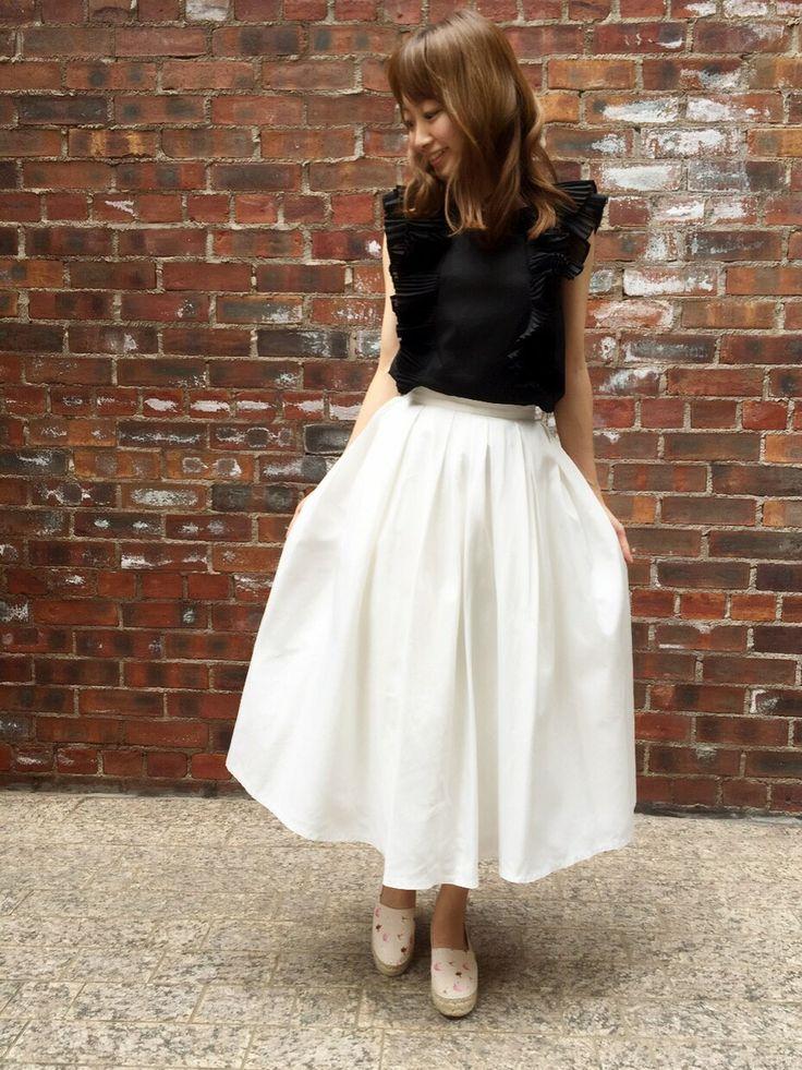 RANDA 本社 | kumemiさんのスカート「RANDA ミモレ丈タックフレアスカート」を使ったコーディネート