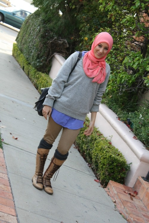boots & long sweater, <3 her hijab style too!!