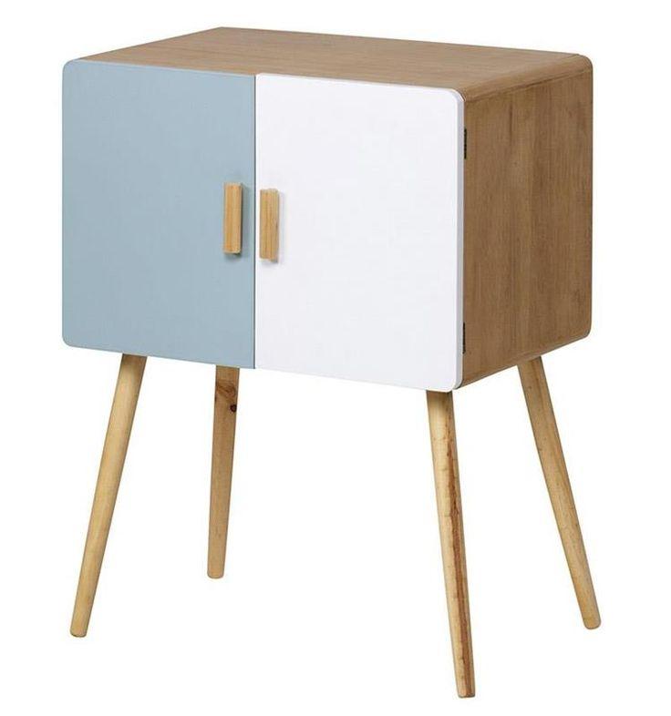 """Compactă şi elegantă, comoda cu sertare """"Modern History"""" reinterpretează în cheie modernă stilul retro al anilor '50, cunoscut sub numele de """"Mid Century""""."""