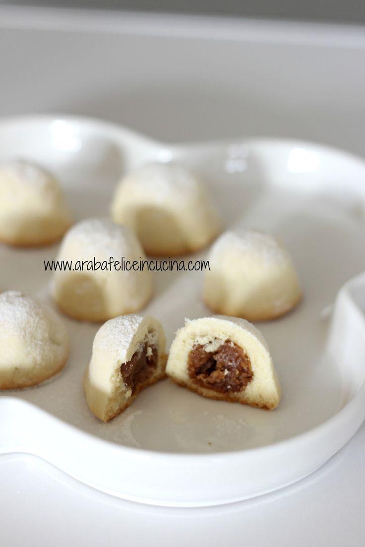 Arabafelice in cucina!: Maamoul (biscotti ripieni ai datteri e noci)