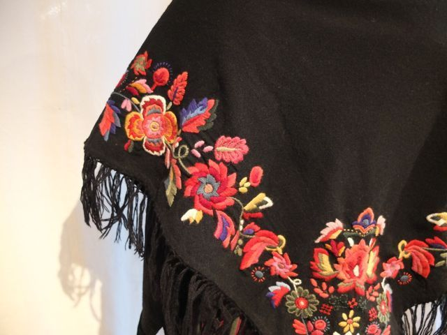 Shawl. Embroidered by hand. Made in Norway.