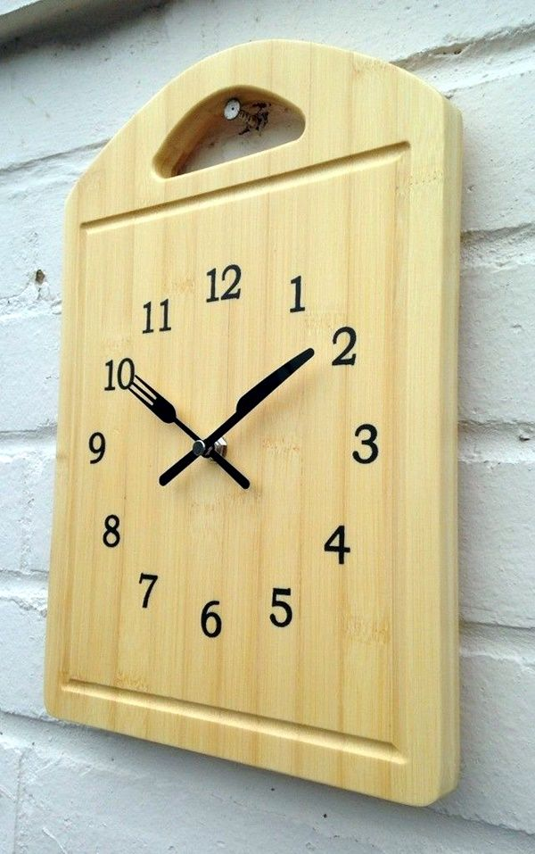 Fabulas Wall Clocks to embrace Your Home Entrance (36)