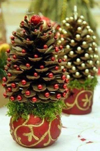 Haz arbolitos navideños con piñas de pinos ~ Solountip.com