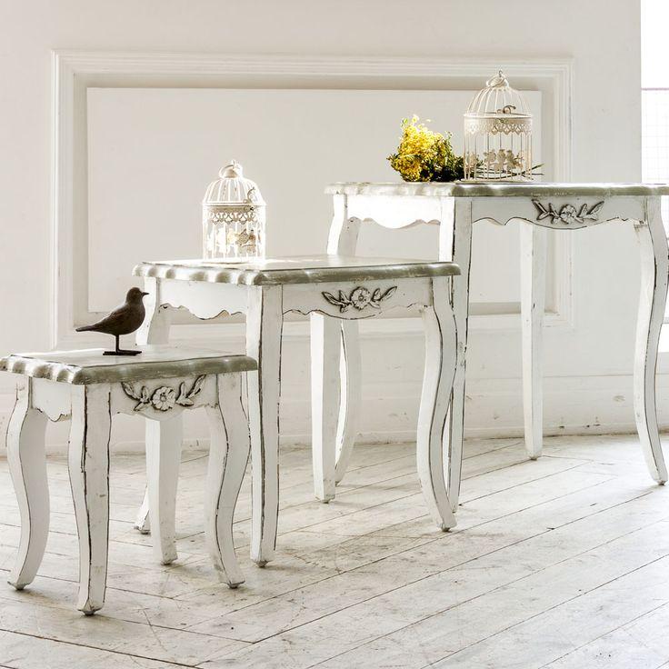"""Элегантным дополнением вашего интерьера станет трио консольных столиков """"Живерни"""" из одноименной коллекции. Поверхность столиков искуственно браширована, - чтобы подчеркнуть природную красоту древесной текстуры. Сочетайте с обеденным столом и стульями """"Живерни"""". #журнальныйстол, #мебель, #интерьер, #стол,  #прованс, #французскийстиль, #декор, #furniture, #coffeetable, #provence, #frenchstyle, #objectmechty"""