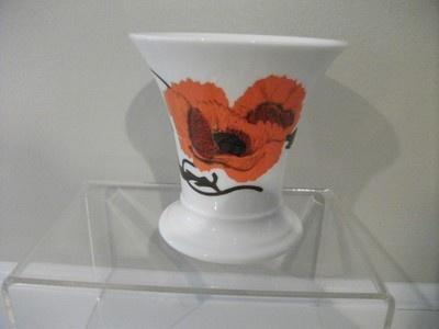 Susie Cooper for Wedgewood Corn Poppy posy pot