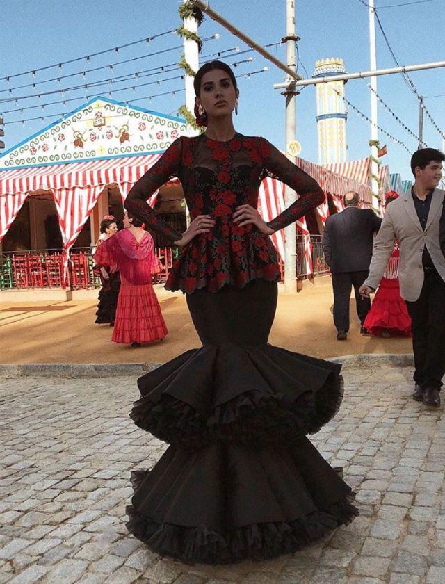 5870817ee Feria de Abril de Sevilla 2018: Así son los trajes de flamenca de ...