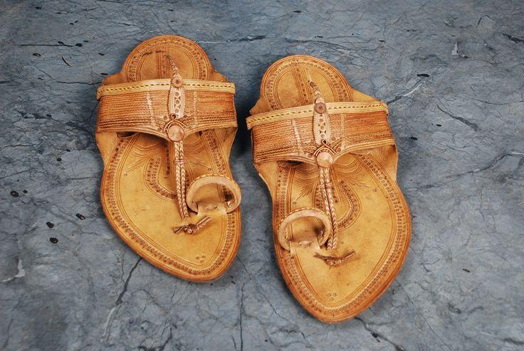men pure leather handmade kolhapuri chappal