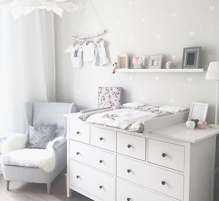 #ikea #Kinderzimmer #babyzimmer #babygirl #wandsticker #wickelkommode  #hemnes #ikeahack