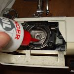 Κάθε ραπτομηχανή είναι διαφορετική εδώ όμως μπορούμε να δούμε σε εικόνες ποια ακριβώς σημεία πρέπει να λαδώνουμε και να καθαρίζουμε   ...