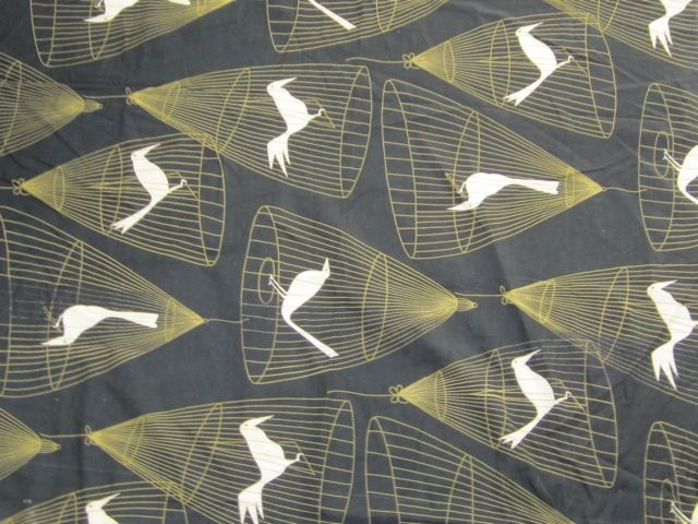 Caged Birds Vintage Cotton Fabric 1950s | Vintage Fabric AddictCages Birds, Cotton Fabrics, Homo Sapien, Fabrics 1950S, Divination Inspiration, Fabrics Addict, Baby Clothing, Learning Lady, Birds Vintage