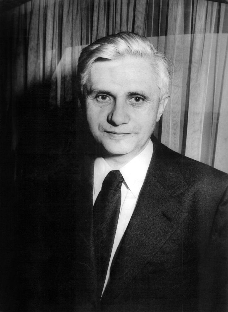 Un día como hoy, hace 65 años  FE Y EXISTENCIA Conferencia de Joseph Ratzinger en diciembre de 1969 Transmitida a través de de la Bayerische Rundfunk [Radio Bávara] En el capítulo anterior hemos llegado a comprender que la fe en…
