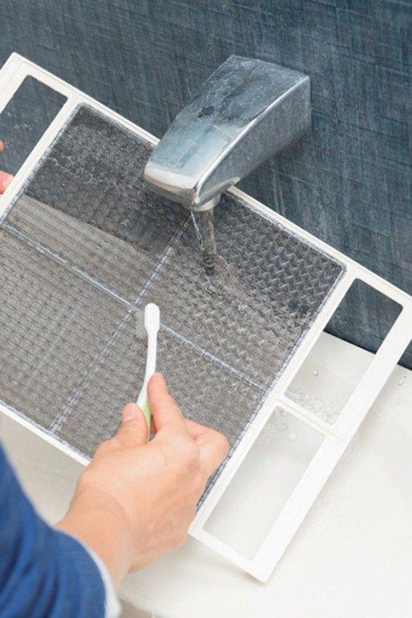 所要時間60分のバスルーム大掃除メニュー しつこい汚れを落とすテクニックも 大掃除 風呂 床 掃除 風呂 換気扇 掃除