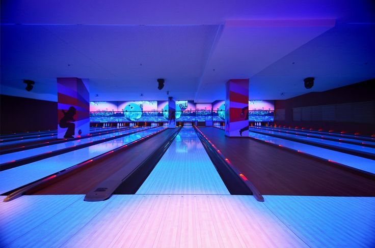 Village Fun & Bowl In Faliro - Athens