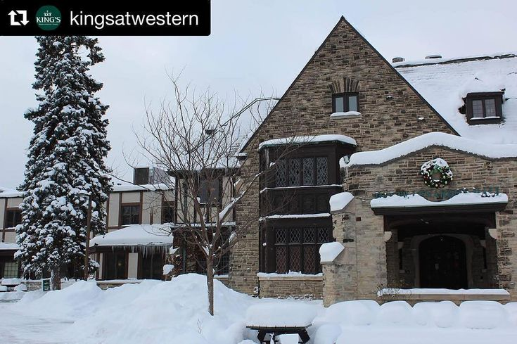 Hoping to attend @kingsatwestern or another top Canadian university? Check out the link in our profile to win free tuition  . . . . . . . . #pin #kingsatwestern #westernuniversity #freetuition #giveaway #studentlife #university #universitylife #canadianuniversity #kingsuniversitycollege