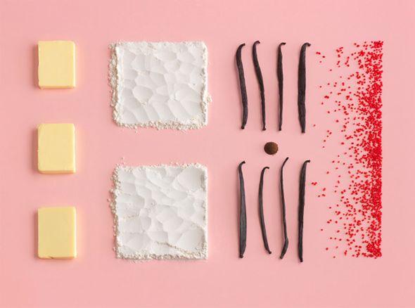 Livre IKEA Homemade is Best  Le photographe suédois Carl Kleiner est à l'origine de ces clichés très graphiques et épurés pour le prochain livre de cuisine édité par IKEA. Comme quoi un oeuf un morceau de beurre et une pincée de sel peuvent se transformer en un vrai tableau contemporain.