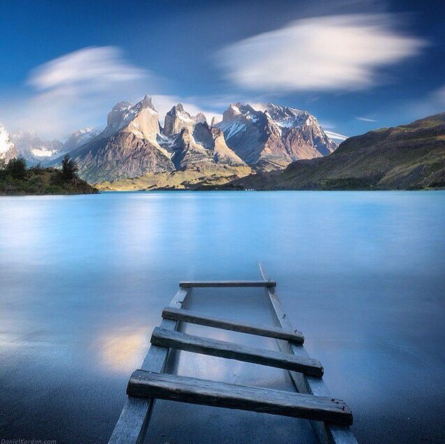Lake Pehoé, Torres del Paine National Park, Patagonia, Magallanes Region, Chile.