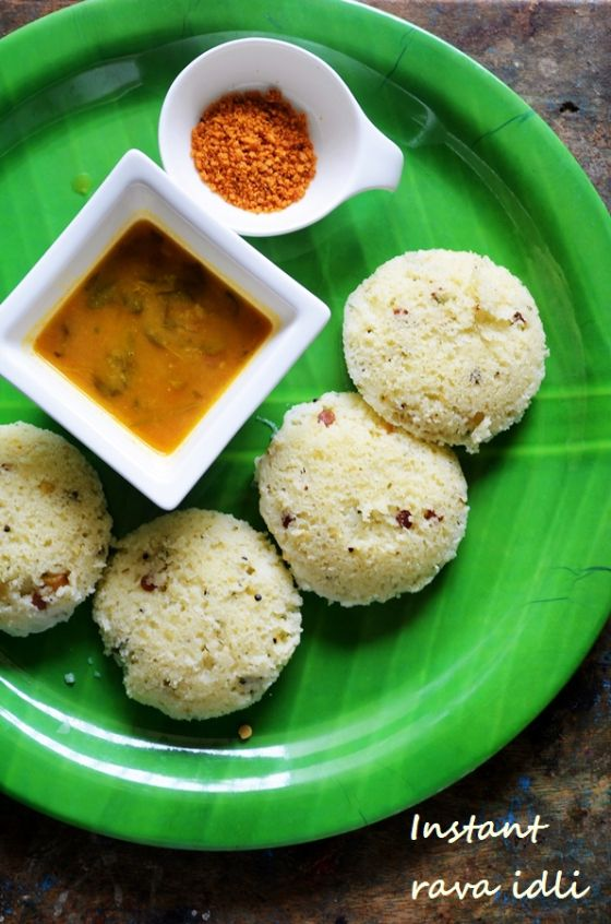 Rava idli recipe, easy no fermentation no grind idli! http://cookclickndevour.com/rava-idly-recipe #cookclickndevour #breakfastideas #recipeoftheday