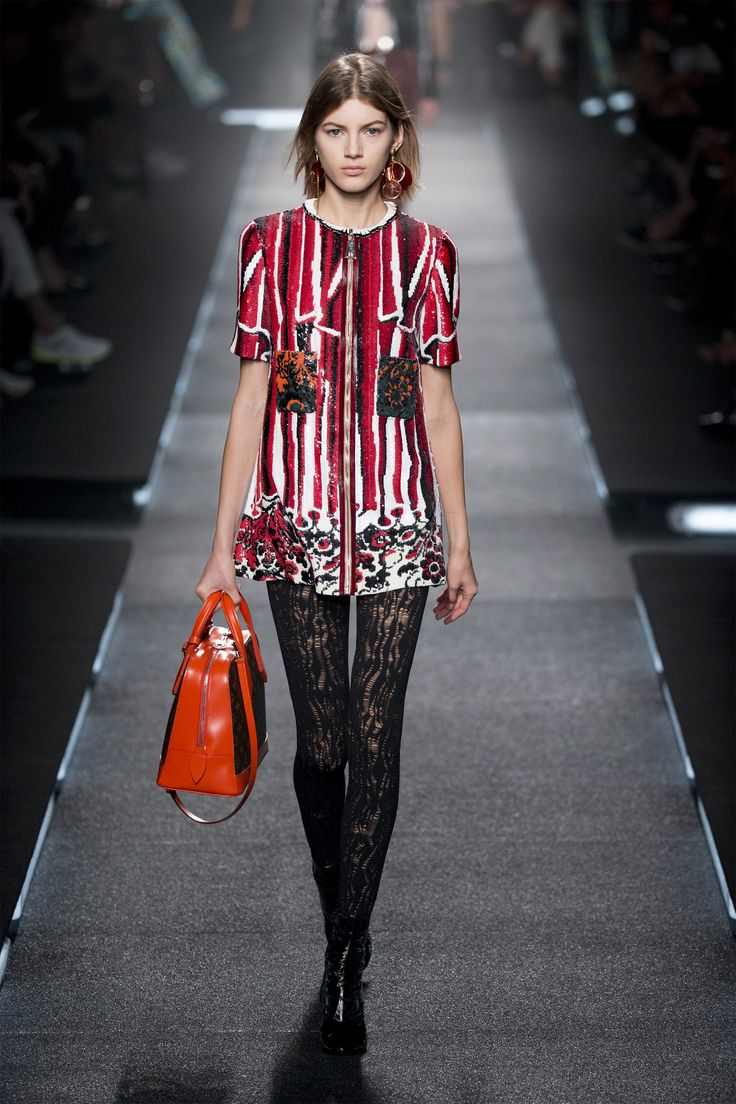 louis vuitton 2015. look from the louis vuitton women\u0027s spring 2015 fashion show by nicolas ghesquière