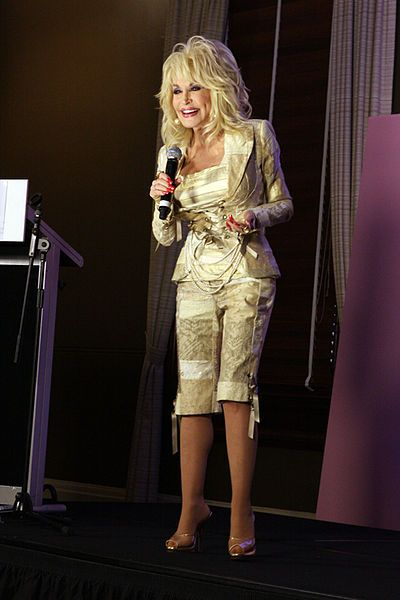 Dolly Parton - Sexy lady and a very talented signer/songwriter
