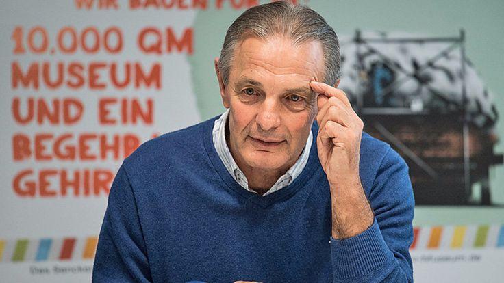 Karl-Heinz Körbel: Legende von Eintracht Frankfurt plant Altersheim - Bundesliga Saison 2016/17 - Bild.de