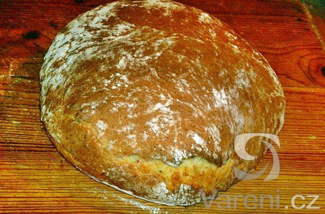 Vynikající doma pečený chléb mojí babičky, která žila na venkově a zůstal mi od…