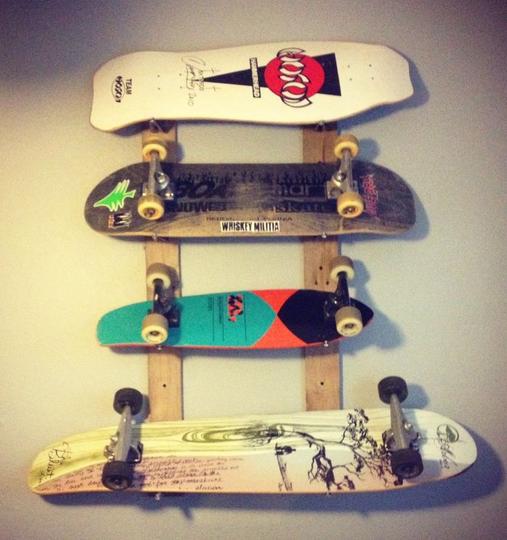 Skateboard rack made from pallet wood and L-brackets