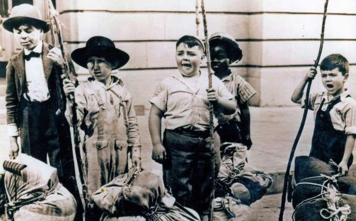 "(Pictured: Carl ""Alfalfa"" Switzer, Leonard Landy, George ""Spanky"" McFarland, William ""Buckwheat"" Thomas and Robert ""Mikey"" Blake)"