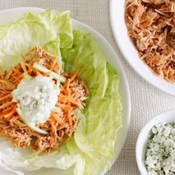 Crock Pot Buffalo Chicken Lettuce Wraps- all the flavors of buffalo chicken you love in a healthy lunch option.