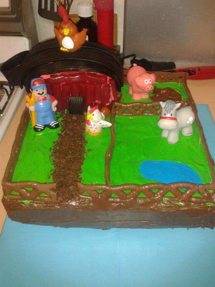 farm yard with barn cake