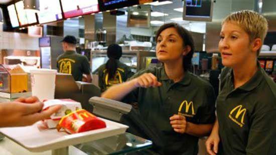 McDonalds Is Replacing 2500 Human Cashiers With Digital Kiosks f