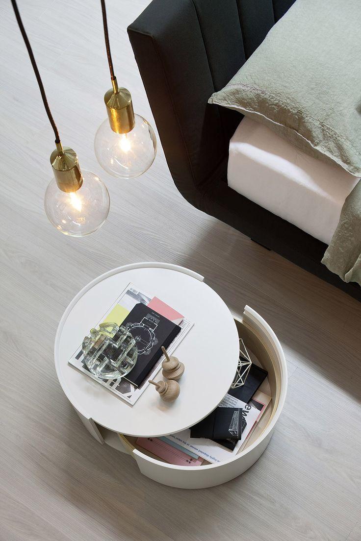 Der Beistelltisch Allout Mit Schublade Von Novamobili Passt Mit Seinem  Zeitlosen Design In Jedes Zimmer.