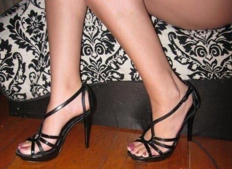 Black aldo shoes. Again, another man killer. Perfect for foot and heel worship.