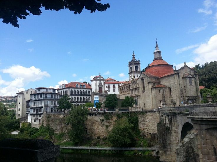 Convento e Ponte de S. Gonçalo-Amarante Portugal