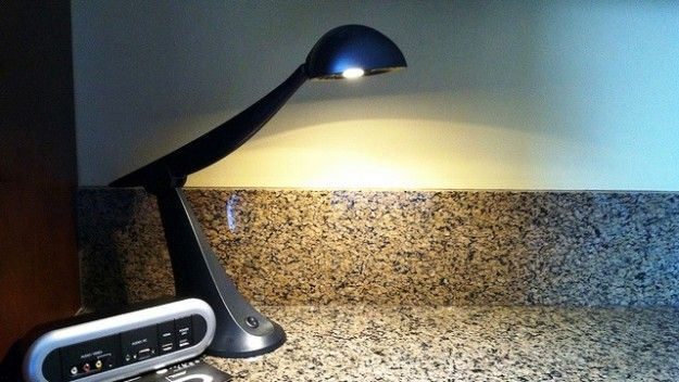 Meet the desk lamp that saves on energy and provides optimal lighting for your hotel guests
