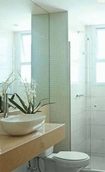 Apartamento de 73 m² ideal para família de quatro pessoas  Cuba and Ems -> Banheiro Com Pastilha De Vidro Verde Agua