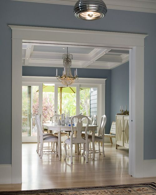 This is my FAVORITE dining room color!! LOVE..need help figuring the color!