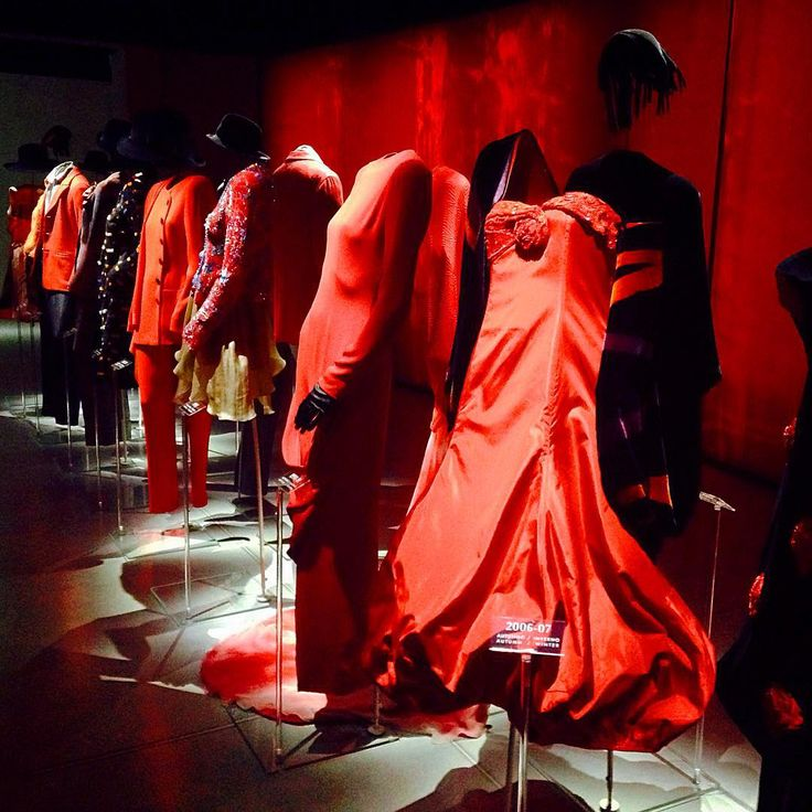 Red is the new black #Armani #ArmaniSilos #Milan @costtrom
