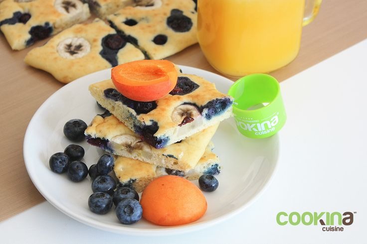 Blueberry-banana pancake made in the oven. Try it, you won't miss your frying pan, we promise!